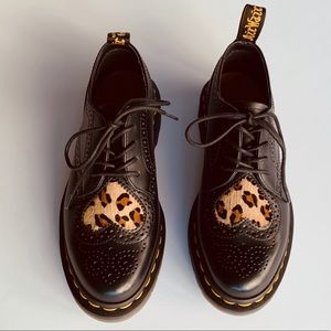 Dr. Martens Joyce Heart Wingtip Shoes NEW, Size 5